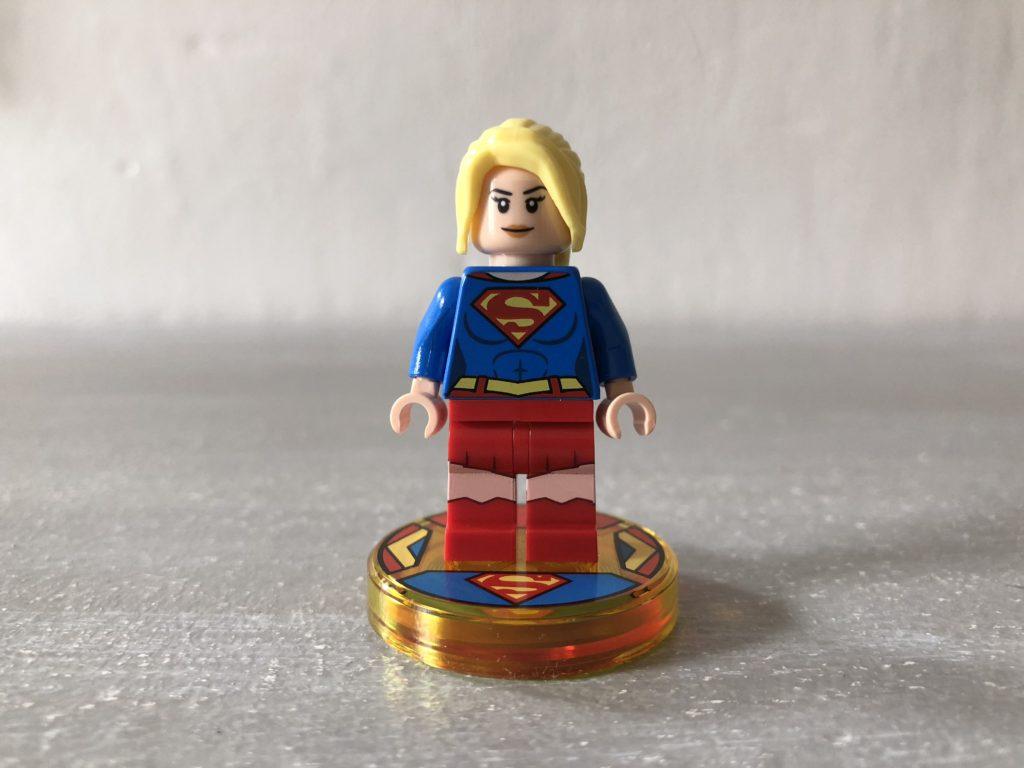 Supergirl_socle