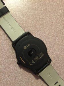LG Watch R côté face